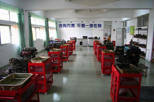 贵阳汽修学校