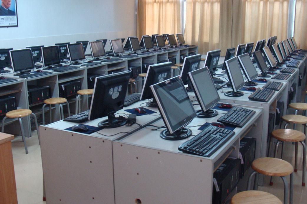 四川省南充计算机工程学校